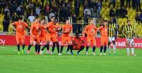EGEMEN KORKMAZ - Başakşehir'de Defans Dağıldı