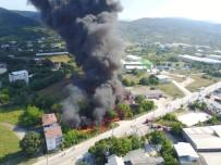 İSMAIL AYDıN - Boya Fabrikasındaki Yangın Havadan Böyle Görüntülendi