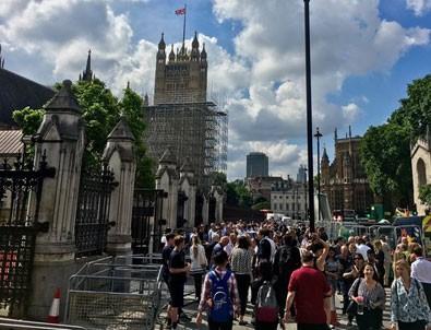 İngiltere parlamentosu boşaltıldı! Yangın alarmları çalıyor...