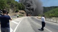 Isparta'da Seyir Halindeki Yolcu Otobüsü Alev Alev Yandı