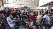 ERKILET - İstanbul Uçağı Kalkış Yaptığı Havaalanına Geri Döndü