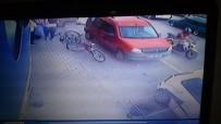 YARALI KADIN - Kadına Çarpan Motosikletli Yardım Etmek Yerine Kaçtı