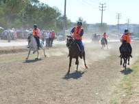 MEHMET KARACA - Nilüfer Rahvan At Yarışları Nefes Kesti