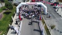 AHMET HAŞIM BALTACı - Ömer Halisdemir Anısına  Pedal Çeviren 250 Bisikletlinin 15 Temmuz Şehitler Köprüsü'nden Geçişi Havadan Görüntülendi