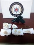 TAKSİ ŞOFÖRÜ - Otomobille Uyuşturucuya Bir Gözaltı