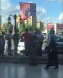 MEYDAN DAYAĞI - Lübnanlı Tacizciye Meydan Dayağı Kamerada
