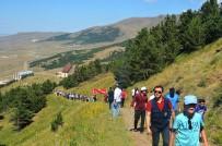 KIŞ OLİMPİYATLARI - Palandöken'de Doğa Yürüyüşü Düzenlendi