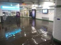 METRO DURAĞI - Paris Metroları Sular Altında