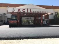 HASTANE BAHÇESİ - Şırnak Devlet Hastanesi Acil Servis Girişi Asfaltlandı