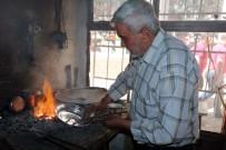 KALAYCILIK - Yozgat'ta Son Kalaycı Ustası Mesleğini Devam Ettirmeye Çalışıyor
