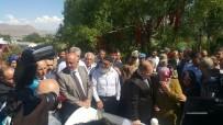 RECEP AKDAĞ - Bakan Recep Akdağ'dan Şehit Ailesine Ziyaret