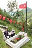 İBRAHIM SAĞıROĞLU - Başkan Sağıroğlu'ndan Demokrasi Şehidinin Mezarına Ziyaret