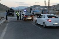 BOMBA İHBARI - Çaldıran-Muradiye Karayolunda Bomba Alarmı