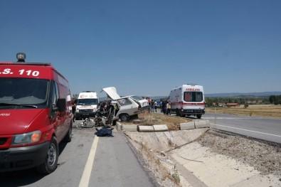 Gediz'de Trafik Kazası: 4 Ölü