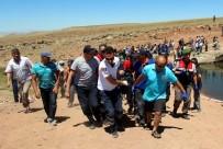 KURTARMA OPERASYONU - Genç Çoban Serinlemek İçin Girdiği Gölette Boğuldu