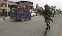 NARENDRA MODI - Keşmir'de Silahlı Saldırı Açıklaması 7 Ölü