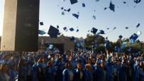 SAĞLIK PERSONELİ - Özel Hatem Mesleki Ve Teknik Anadolu Lisesi İlk Mezunlarını Verdi