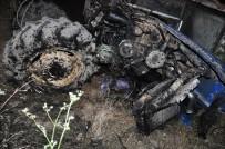 HAVA YASTIĞI - Parçalanan Traktörden Sağ Kurtuldu