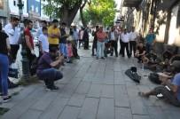 AFYONLU - Sokak Çalgıcıları Kars'ta Yoğun İlgi Gördü