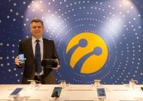 Turkcell'in Yeni Akıllı Telefonu Ve Sanal Gerçeklik Gözlüğü Ön Satışa Çıkarıldı