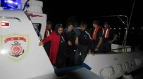 KÜÇÜKKUYU - Ayvacık'ta 35 Mülteci Yakalandı