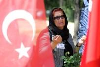 ANKARA VALİSİ - Başkan Yaşar, 15 Temmuz Şehitlerini Andı