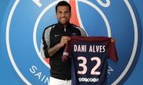JUVENTUS - Daniel Alves, Resmen Paris Saint-Germain'de