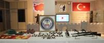 DİYARBAKIR EMNİYET MÜDÜRLÜĞÜ - Diyarbakır'da Suikast Hazırlığındaki 3 Terörist Yakalandı