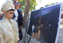 EYÜP SULTAN - İhlas Haber Ajansı'nın  'Oradaydık, Unutmadık, Unutturmadık' Adlı Fotoğraf Sergisine Vatandaşlar Yoğun İlgi Gösteriyor