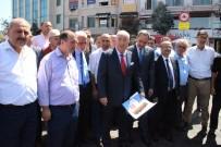 FAIK YILMAZ - İstanbul'da Esnafın Vitrinine 15 Temmuz Posterleri Asıldı