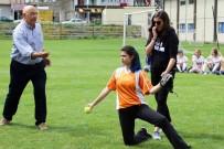 BENGÜ - Osmaniyeli Genç Softbolcü, Dünya Şampiyonası'na Katılacak