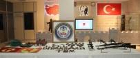 DİYARBAKIR EMNİYET MÜDÜRLÜĞÜ - Suikast Hazırlığındaki 3 Terörist Yakalandı