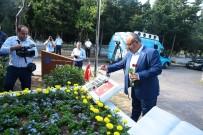 KARACAAHMET MEZARLIĞI - Ümraniye'den 15 Temmuz Şehitlerine Vefa