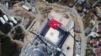 ÇAMLıCA - 15 Temmuz Şehitleri İçin Çamlıca Camii'ne Asılan Dev Türk Bayrağı Havadan Görüntülendi