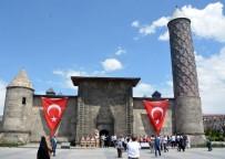 TÜRKIYE YAZARLAR BIRLIĞI - AK Parti Erzurum Milletvekili İbrahim Aydemir Açıklaması 'İHA, Vatanseverlikte Zirve Yapmış Bir Kuruluş'