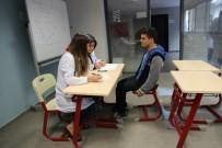 YABANCı DIL - Akademi Liseli Görme Engelli Enes'in LYS Zaferi