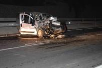 MEDİKAL KURTARMA - Dalaman'da Otomobil Kamyona Arkadan Çarptı; 4 Yaralı