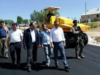 YAŞANABİLİR KENT - Erciş'te Yol Asfaltlama Çalışması