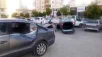 TRAFİK LEVHASI - Gaziantep'te Şaşırtan Kaza Açıklaması 3 Yaralı