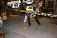 NIĞDE MERKEZ - Niğde'de Kafe Önünde Bıçaklı Kavga Açıklaması 1'İ Ağır 2 Yaralı