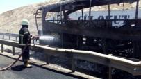 YOLCU OTOBÜSÜ - Şanlıurfa'da Yanan Otobüste 22 Kişi Yaralandı