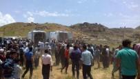 PKK TERÖR ÖRGÜTÜ - Şemdinli'de patlama: 4 sivil yaralı