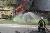 MALTA - Seyir Halindeki Halk Otobüsü Alev Alev Yandı