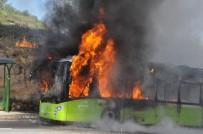 HALK OTOBÜSÜ - Seyir Halindeyken Alev Aldı Açıklaması Faciadan Dönüldü