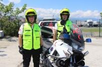 DAR SOKAKLAR - Trabzon'da Trafik Sıkıştığında Sağlık İçin Onlar Devreye Giriyor