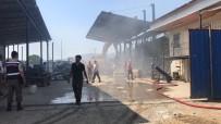 İŞ MAKİNASI - Yangını İş Makinası Ve İtfaiye Söndürdü