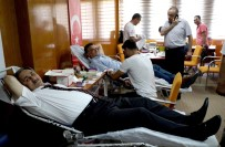 SAĞLIK PERSONELİ - 15 Temmuz Şehitleri Ve Gazileri Anısına Kan Bağışı