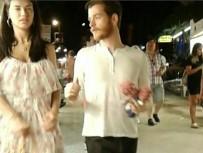 MAVI YOLCULUK - Adriana Lima ve Türk aşkı Bodrum sokaklarında el ele