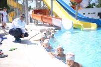 YÜZME KURSU - Başkan Yağcı, Su Eğlence Dünyası'nda Çocuklarla Bir Araya Geldi