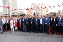 AHMET MISBAH DEMIRCAN - Beyoğlu'nda Halisdemir'in Heykeline Ve İHA'nın 15 Temmuz Fotoğraflarına Yoğun İlgi